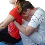 Uciski grzbietu - mobilizacja stawów kręgosłupa.