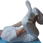 Rozciąganie mięśni działających na staw biodrowy (prostowniki i odwodziciele).